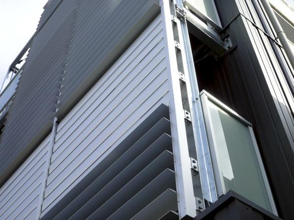 可動ルーバー導入実績:T様オフィスビル改修工事大阪市