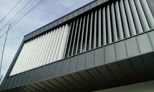 可動ルーバー導入実績:兵庫県神戸市