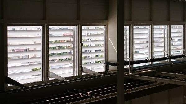 可動ルーバー導入実績:兵庫県Iスーパーマーケット