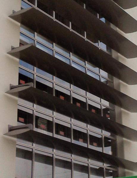 可動ルーバー導入実績:浜松市Aホール