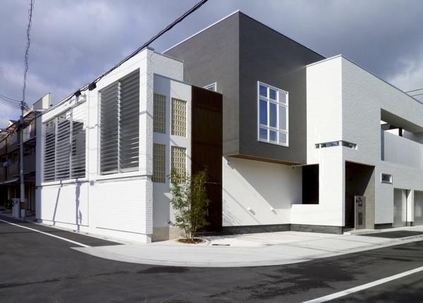 可動ルーバー導入実績:M邸新築工事大阪市